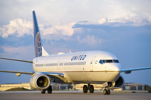 A United Boeing 737